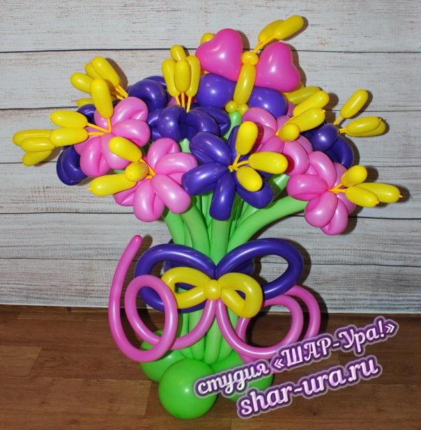 розово-фиолетовые ромашки из шаров с тычинками